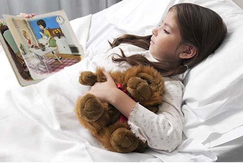 کتابخوانی برای کودکان بیمار