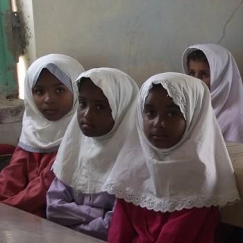 تهیه لوازم التحریر برای دانشآموزان مناطق محروم
